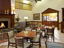 Litchfield hotels with restaurants