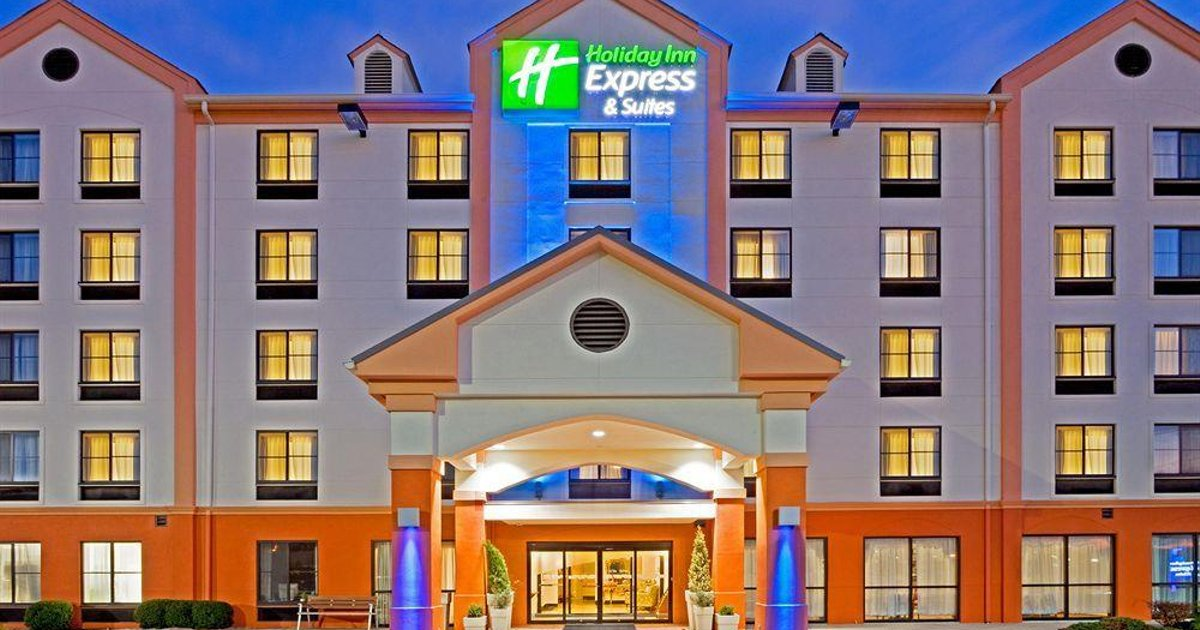 Holiday Inn Express Hotel & Suites Meadowlands Area