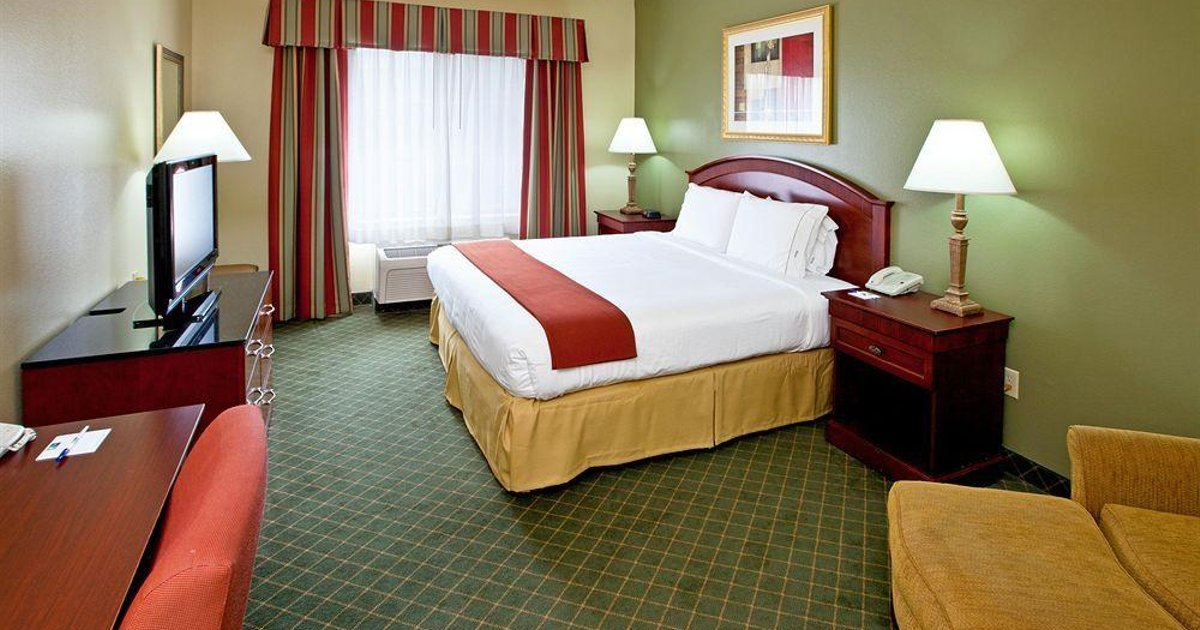 Holiday Inn Express Hotel & Suites Lexington-Downtown University