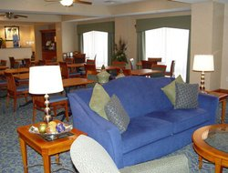 Harrisonburg hotels with restaurants