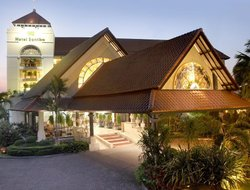 Cirebon hotels with restaurants
