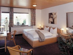 Triberg hotels with restaurants