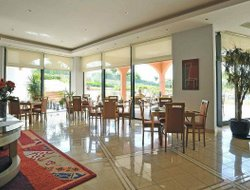 Alvor hotels with swimming pool