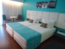 Quarteira hotels for families with children
