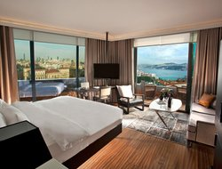 Istanbul hotels with river view