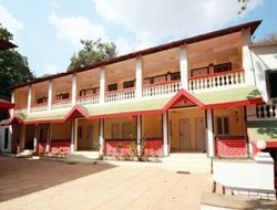 Matheran hotels with swimming pool