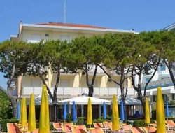 Lido di Jesolo hotels with restaurants