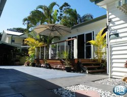 Pets-friendly hotels in Urangan