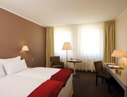 Dessau hotels with restaurants