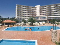 Amarinthos hotels with swimming pool
