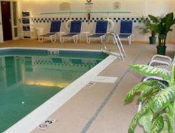 Murray hotels with swimming pool