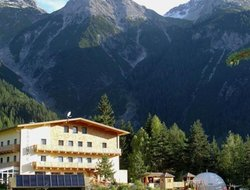 Pets-friendly hotels in Pettneu am Arlberg