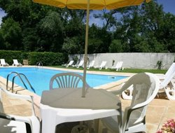 Bergerac hotels with swimming pool