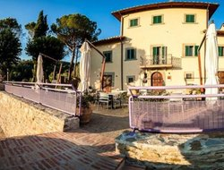 Top-3 romantic Arezzo hotels