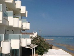 Termoli hotels with restaurants