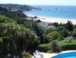 St Brelade hotels with restaurants