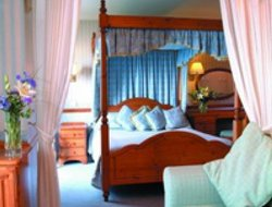 Top-10 hotels in the center of Falmouth