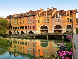 Top-10 hotels in the center of Annecy