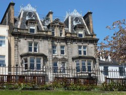 Top-10 hotels in the center of Edinburgh