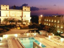 Republic of Malta hotels with restaurants