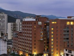 Santiago de Cali hotels with swimming pool