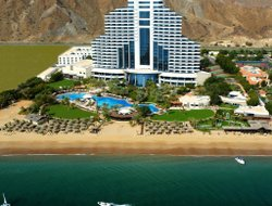 Al Aqah hotels with sea view