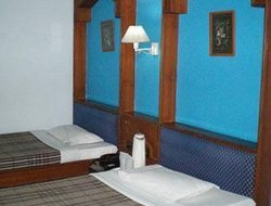 Jabalpur hotels with swimming pool