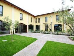The most popular Peschiera del Garda hotels