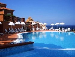 Costa Paradiso hotels with swimming pool
