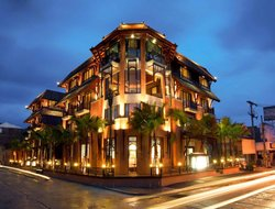Top-10 hotels in the center of Chaweng Beach