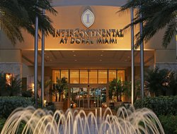 Doral hotels with swimming pool