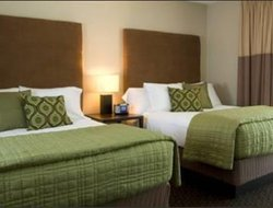 Green Bay hotels with restaurants
