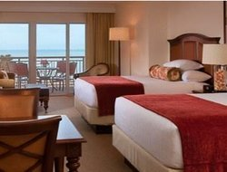 Clearwater Beach hotels with restaurants