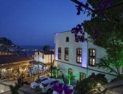 Top-10 hotels in the center of Antalya