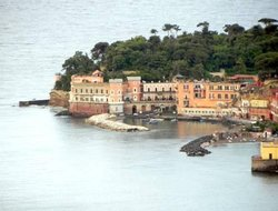 Naples hotels with sea view