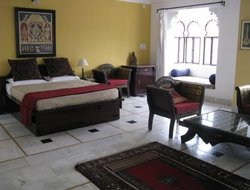 Top-4 hotels in the center of Bundi
