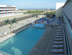 Wildwood Crest hotels with swimming pool
