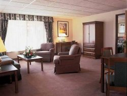Wenatchee hotels with swimming pool