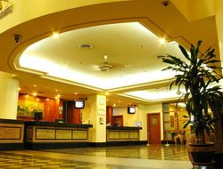 Taman Bukit Skudai hotels with restaurants