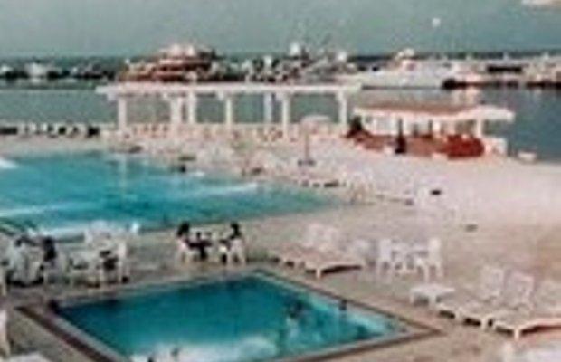 фото Oasis Hotel & Beach Club 228789881
