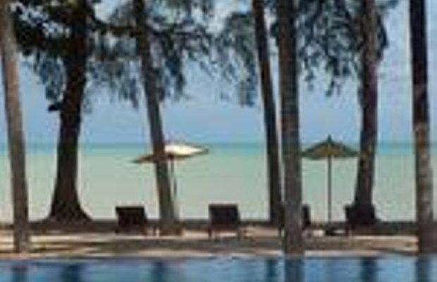 фото Royal Bangsak Beach Resort 228988748