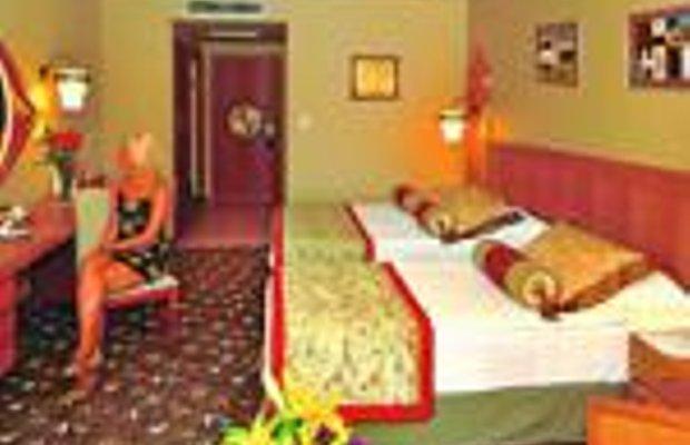 фото Royal Dragon Hotel 228989664