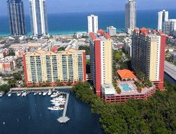 Pets-friendly hotels in Sunny Isles Beach
