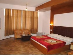Manali hotels with swimming pool