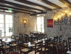 Guerande hotels with restaurants
