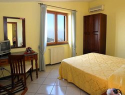 Sant'Agata sui Due Golfi hotels with swimming pool
