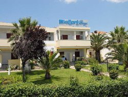 Top-6 hotels in the center of Skala Kallonis