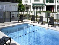 Douglas hotels with swimming pool