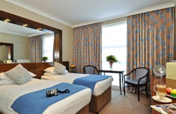 фото Flannery`s Hotel 278343018