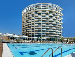 Herzliya hotels with restaurants
